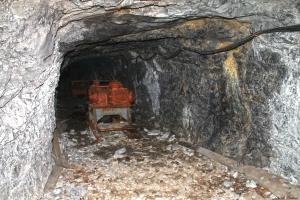 Part final de la visita a la mina: simulacre d'explosions amb dinamita